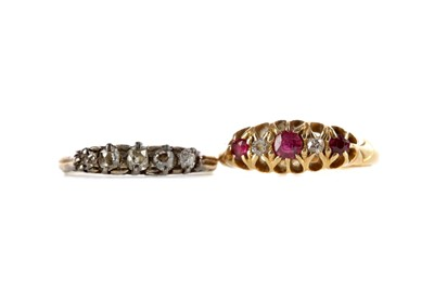 Lot 348 - A RED GEM SET AND DIAMOND RING AND A DIAMOND FIVE STONE RING