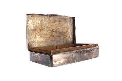 Lot 492 - A SILVER CIGARETTE BOX