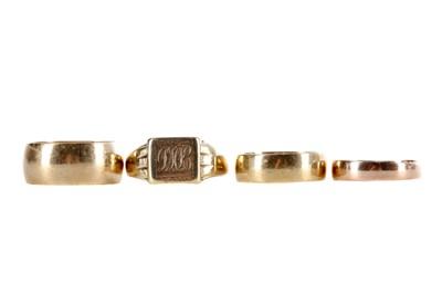 Lot 365 - THREE WEDDING BANDS AND A SIGNET RING