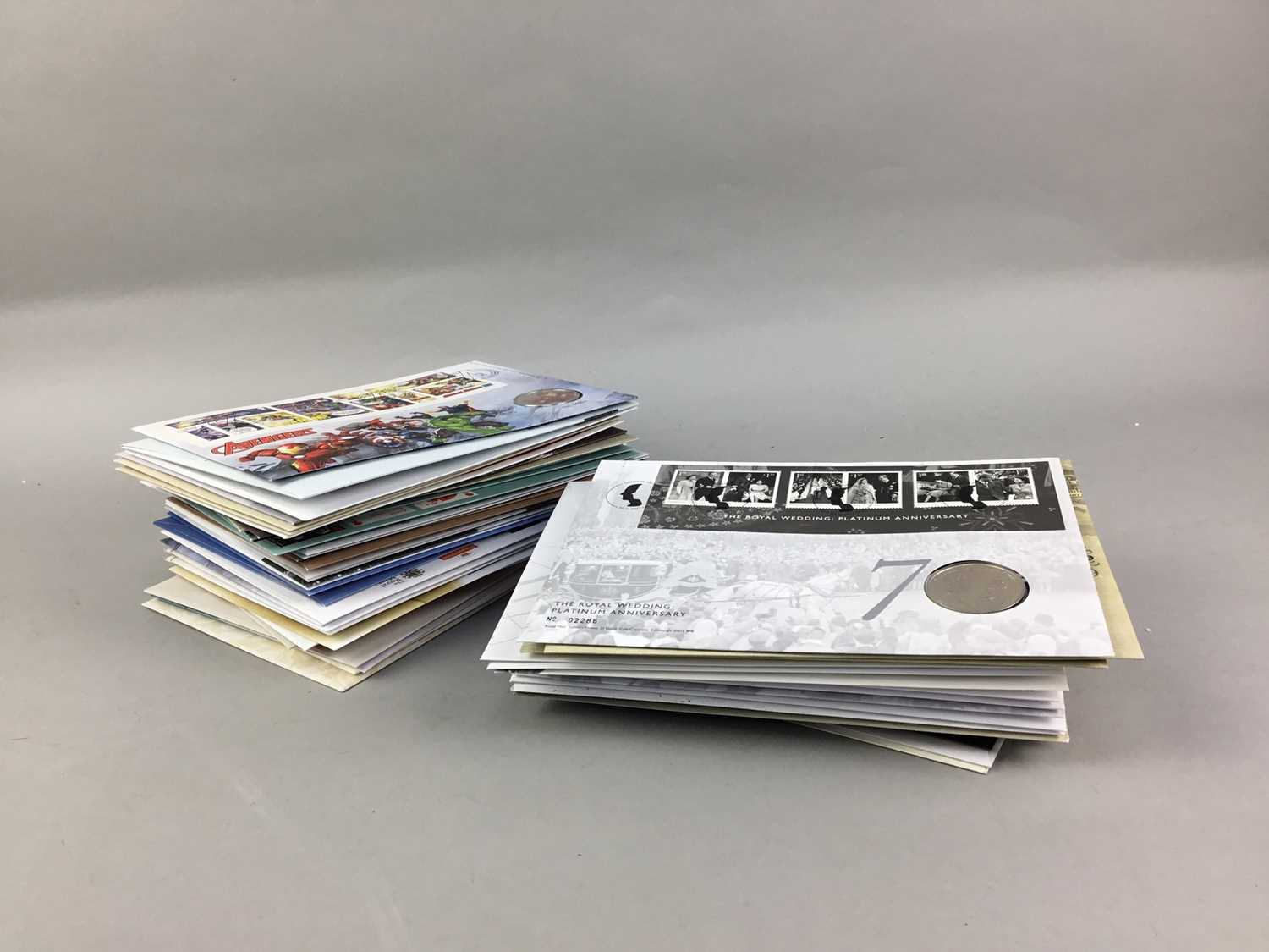 Lot 125 - A LOT OF VARIOUS COMMEMORATIVE COINS