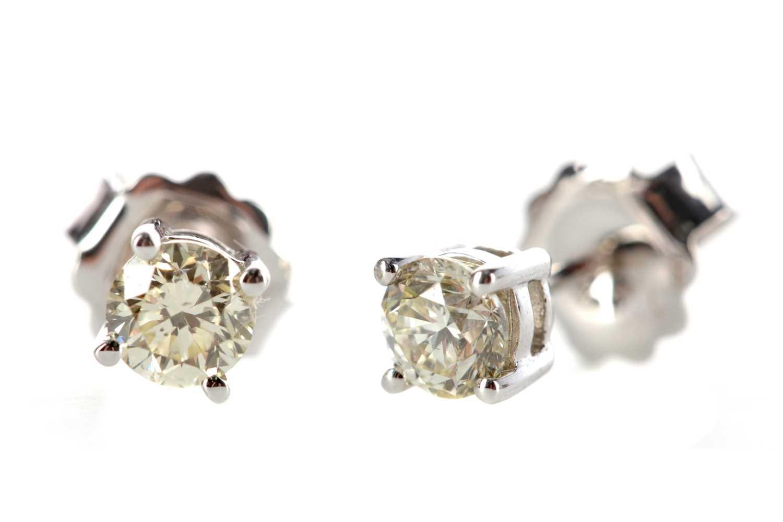Lot 373 - A PAIR OF DIAMOND STUD EARRINGS