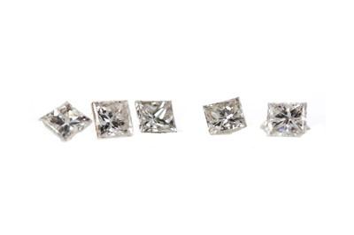 Lot 395 - A PARCEL OF LOOSE PRINCESS CUT DIAMONDS