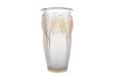 Lot 1051 - A LALIQUE 'CEYLAN' PATTERN OPALESCENT GLASS VASE