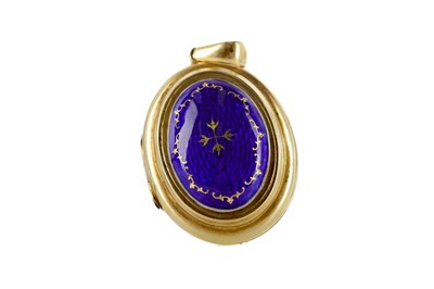 Lot 408 - A BLUE ENAMELLED LOCKET