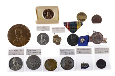 Lot 1625 - A COLLECTION OF ROBERT BURNS TOKENS AND MEDALS