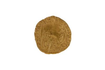 Lot 120 - A JAMES I (1603-1625) GOLD HALF CROWN