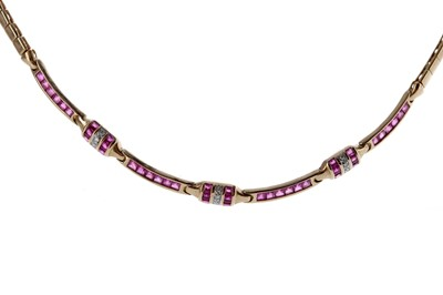 Lot 1347 - A RED GEM SET AND DIAMOND NECKLET