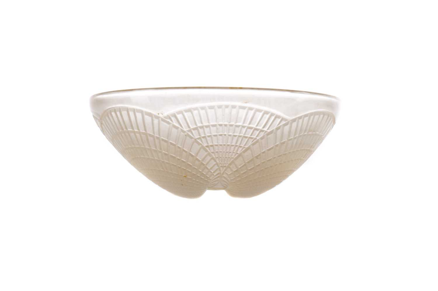 Lot 1067 - A LALIQUE 'COQUILLES' PATTERN OPALESCENT GLASS BOWL