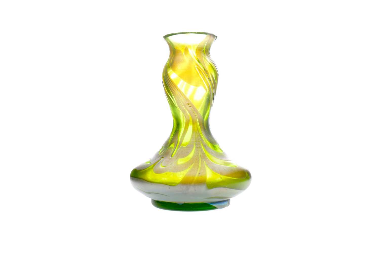 Lot 1071 - AN ART NOUVEAU IRIDESCENT GLASS VASE