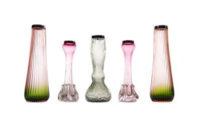 Lot 1076 - AN ART NOUVEAU IRIDESCENT GLASS VASE ALONG WITH TWO PAIRS OF SILVER MOUNTED VASES