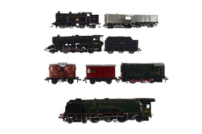 Lot 1648 - A LOT OF FOUR HORNBY LOCOMOTIVES, ALONG WITH ASSORTED TENDER