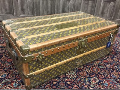 Lot 1667 - AN EARLY 20TH CENTURY LOUIS VUITTON TRAVEL TRUNK