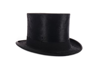Lot 1668 - A BLACK FELT TOP HAT AND A CHRISTY'S HAT BOX