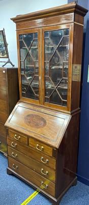 Lot 1672 - AN EARLY 20TH CENTURY MAHOGANY BUREAU BOOKCASE