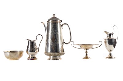 Lot 534 - A SILVER SUGAR CASTER AND OTHER ITEMS