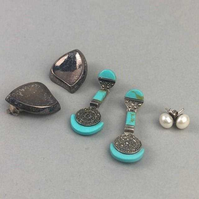 Lot 18 - A LOT OF FIFTEEN PAIRS OF SILVER EARRINGS