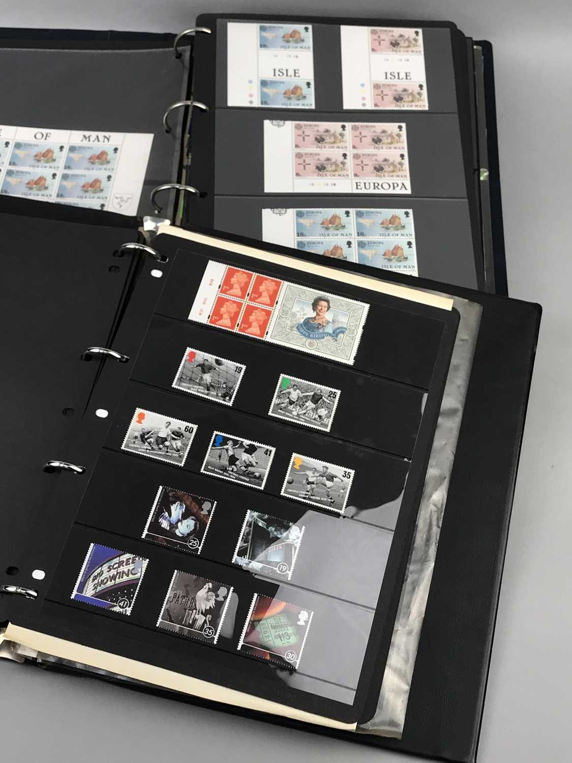 Lot 81 - A LOT OF ISLE OF MAN STAMPS, OTHER STAMP BOOKS AND STAMPS