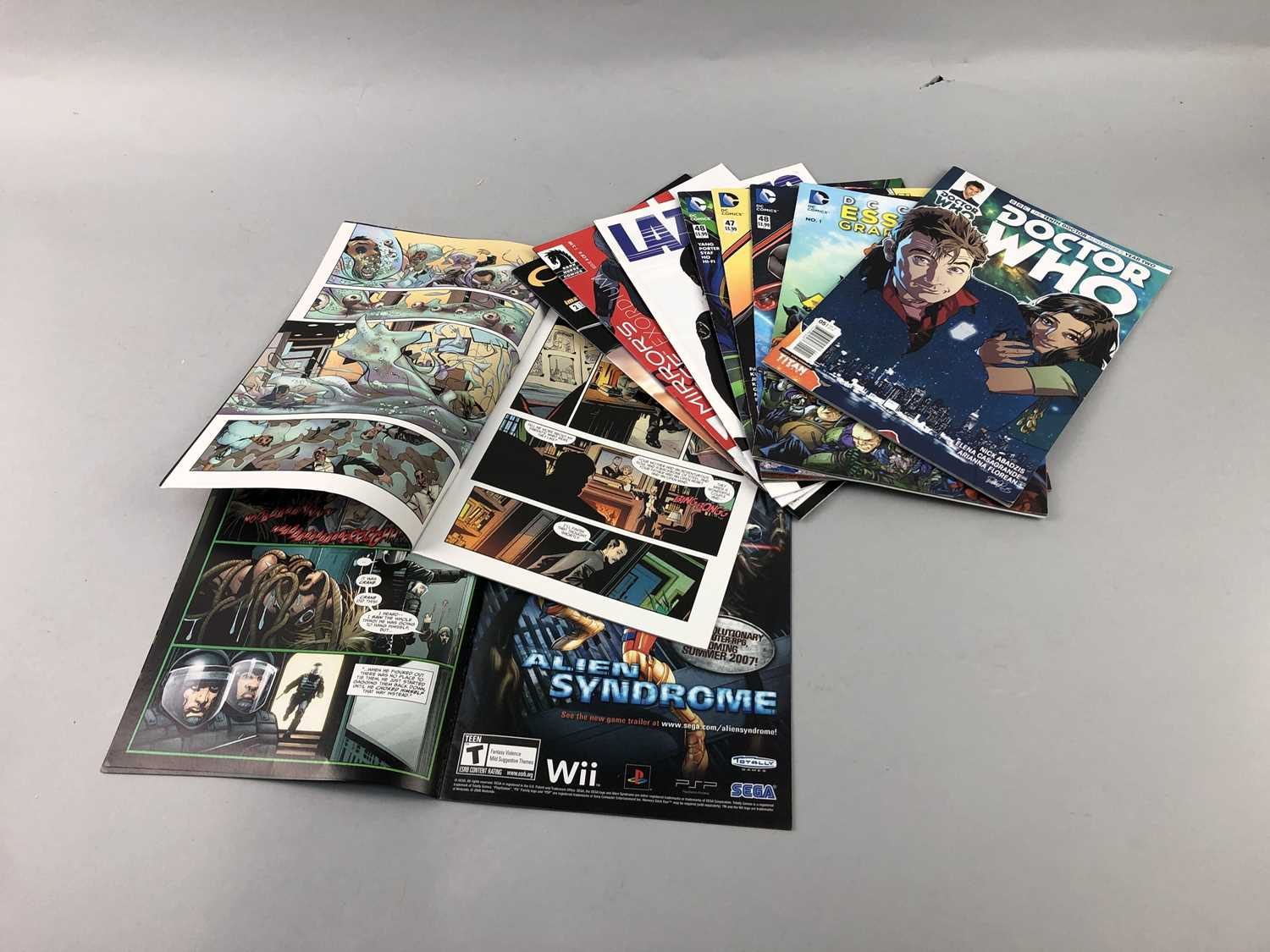 Lot 33 - A LOT OF USA COMICS