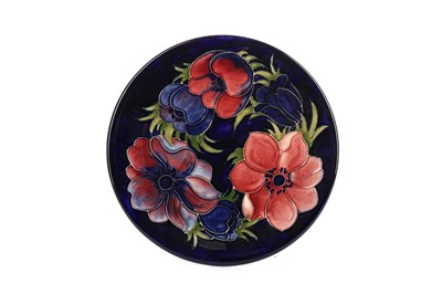 Lot 1010 - A MOORCROFT 'CLEMATIS' PATTERN PLATE