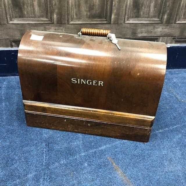 Lot 74 - A VINTAGE SINGER SEWING MACHINE