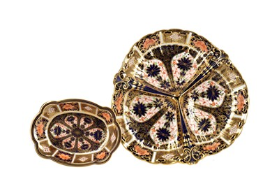 Lot 1026 - A ROYAL CROWN DERBY TREFOIL DISH AND A PIN DISH