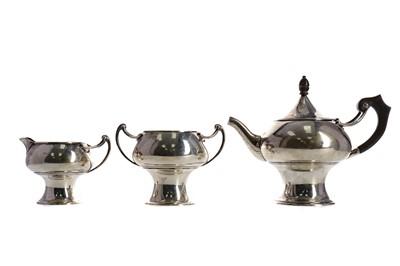 Lot 406 - AN EDWARDIAN ART NOUVEAU SILVER BACHELOR'S THREE PIECE TEA SERVICE