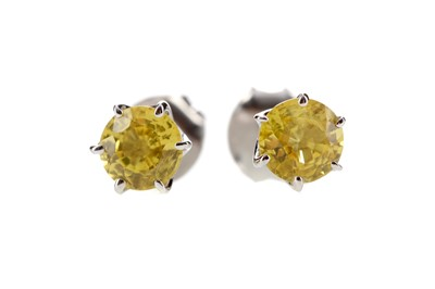 Lot 351 - A PAIR OF YELLOW SAPPHIRE STUD EARRINGS