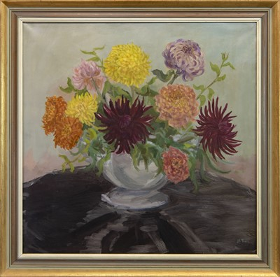 Lot 439 - CHRYSANTHEMUMS IN A VASE, AN OIL BY J F TAWS