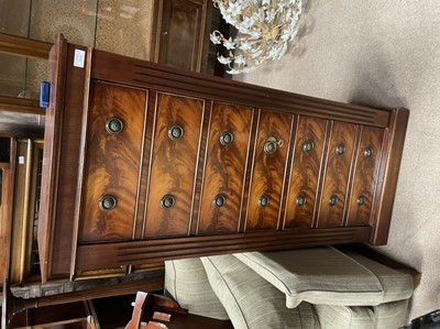 Lot 1318 - A SHOTGUN CABINET IN THE FORM OF A  MAHOGANY WELLINGTON CHEST