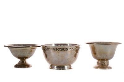 Lot 405 - A LOT OF THREE AMERICAN SILVER BOWLS