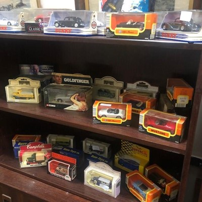 Lot 200A - A LOT OF MODEL VEHICLES IN ORIGINAL BOXES
