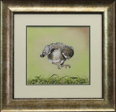 Lot 493 - POUNCE!, A PASTEL BY MICHELLE HEWITT