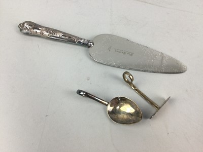 Lot 54 - A LOT OF SILVER AND PLATED WARE