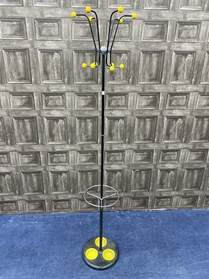 Lot 71 - A RETRO BLACK ENAMELLED HAT AND COAT STAND