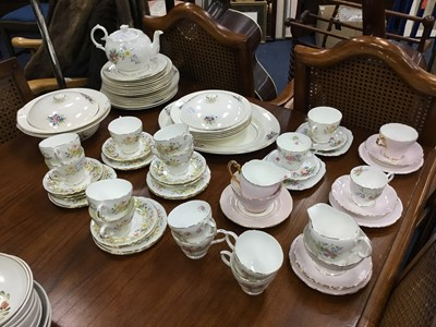 Lot 74 - A COLCLOUGH 'HEDGEROW' PART TEA SERVICE AND OTHER TEA AND DINNER WARE