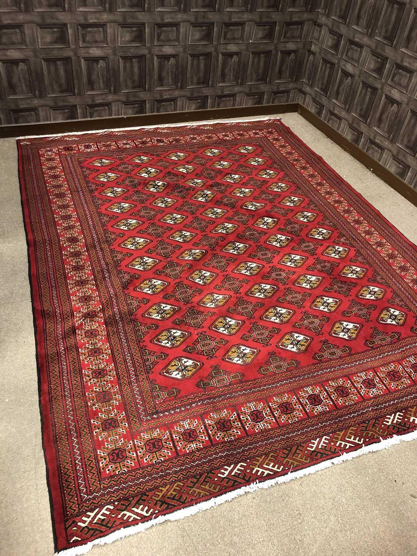 Lot 1315 - A HAND KNOTTED PERSIAN (IRANIAN) TORKAMANI CARPET