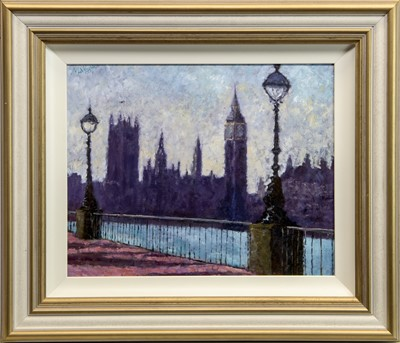 Lot 559 - WESTMINSTER, AN OIL BY TIMMY MALLET
