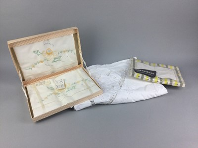Lot 99 - A COLLECTION OF BOXED AND LOOSE FABRICS AND LINENS