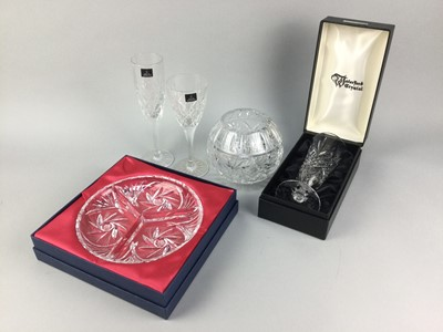 Lot 98 - A COLLECTION OF BOXED AND LOOSE CRYSTAL