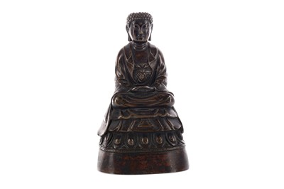 Lot 329 - AN EARLY 20TH CENTURY CHINESE BRONZE FIGURE OF A BUDDHA