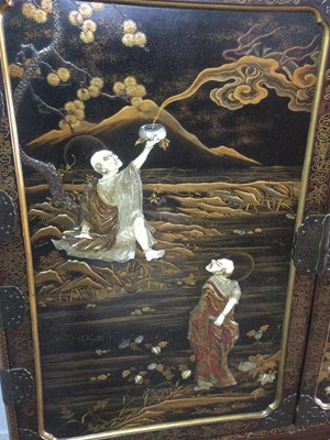Lot 753 - A JAPANESE LACQUERED AND SHIBAYAMA CABINET ON STAND