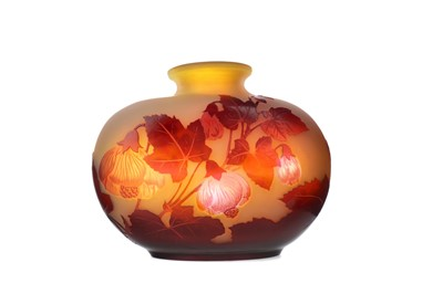 Lot 1085 - A GALLE CAMEO GLASS VASE