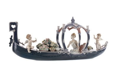 Lot 1036 - A LLADRO FIGURE OF 'GONDOLA OF LOVE'