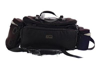 Lot 1823 - A LOT OF TWO LOWEPRO CAMERA BAGS AND OTHER ITEMS