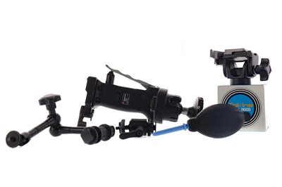 Lot 1821 - A MANFROTTO 222 JOYSTICK BALL HEAD AND A MONOPOD BY OTHER