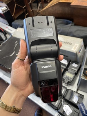 Lot 1783 - A CANON 600 EX-RT SPEEDLIGHT