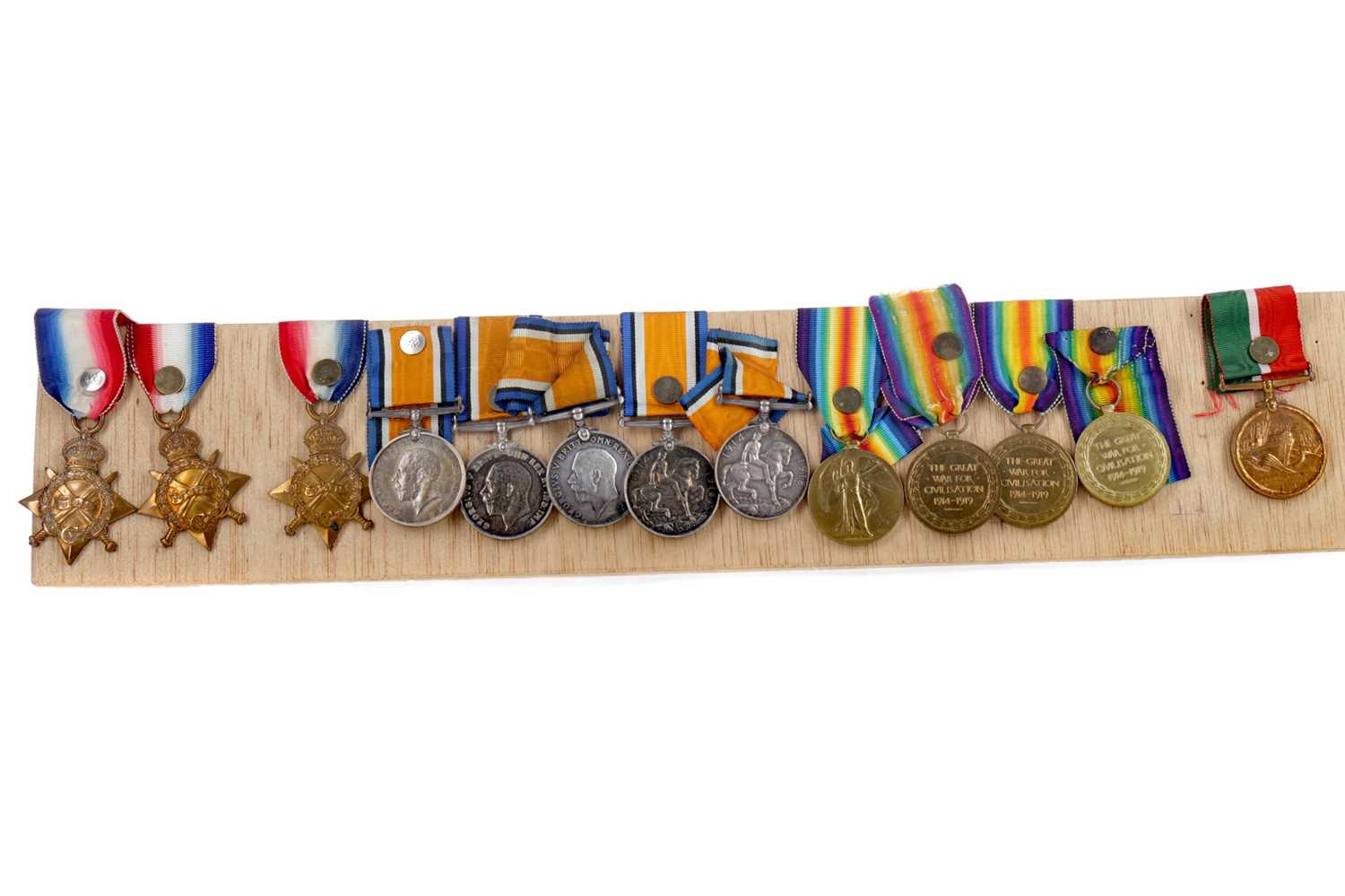 Lot 1390 - A LOT OF WWI SERVICE MEDALS