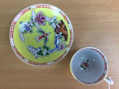 Lot 23 - A MID-19TH CENTURY CONTINENTAL PORCELAIN TEACUP AND SAUCER