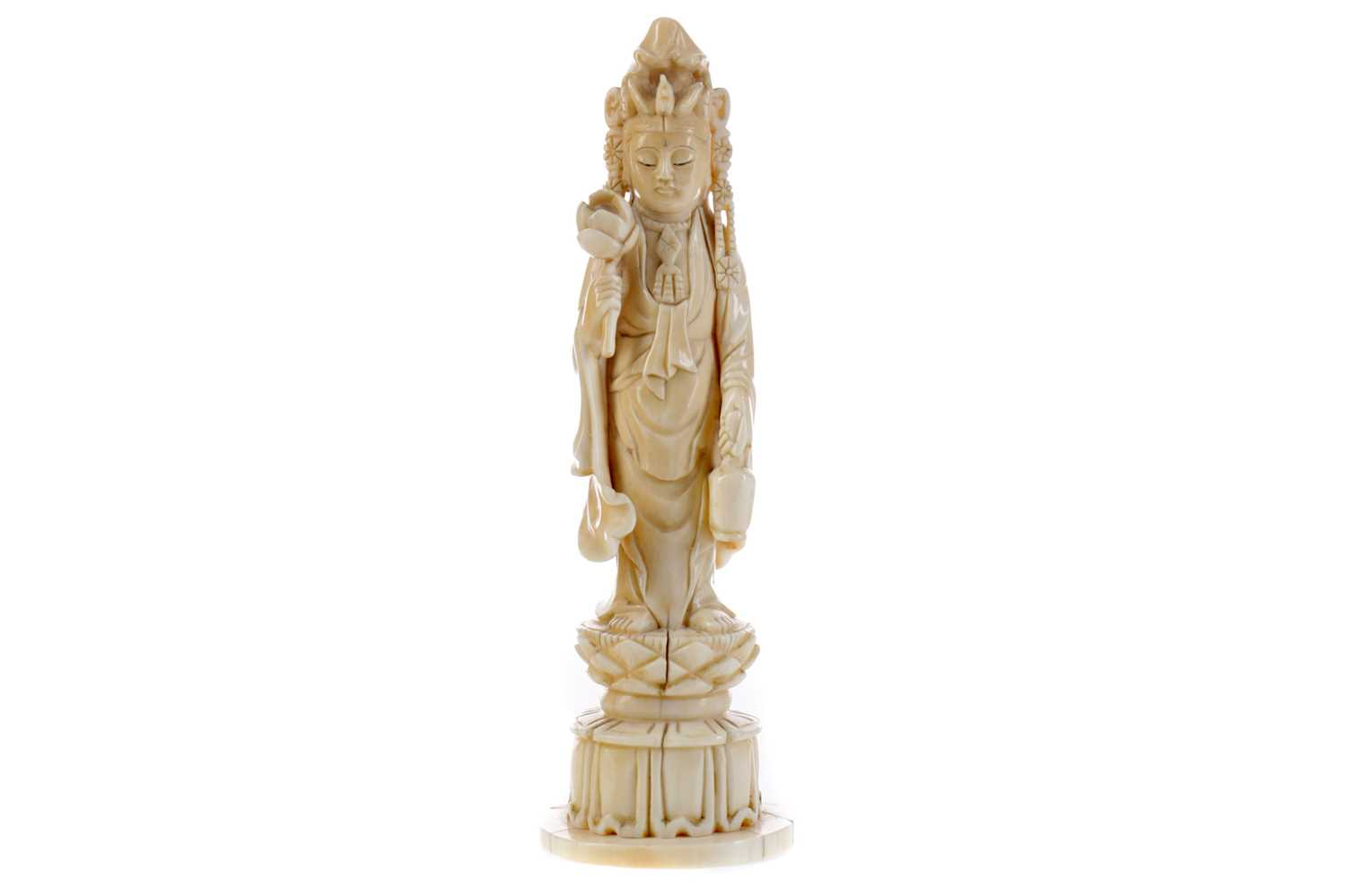 Lot 64 - A LATE 19TH CENTURY CHINESE IVORY FIGURE OF GUANYIN