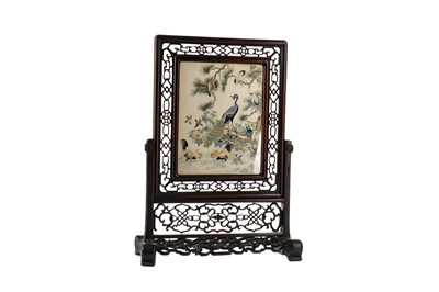 Lot 396 - A LATE 19TH CENTURY CHINESE TABLE SCREEN